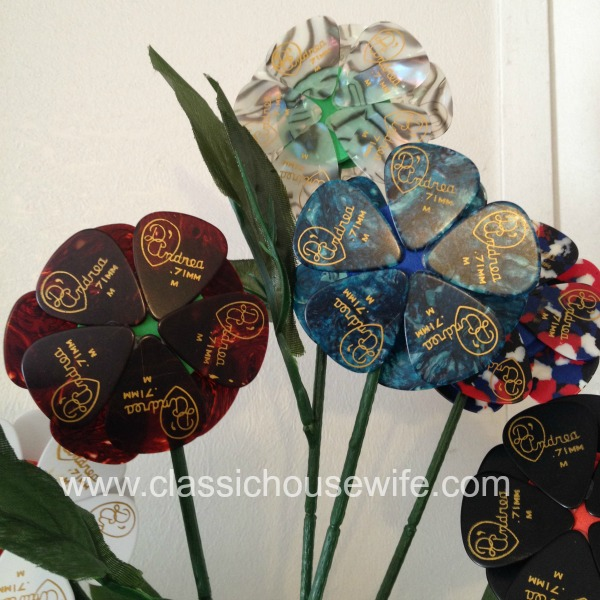 Ta da now you have a guitar pick bouquet for the guitar lover in your